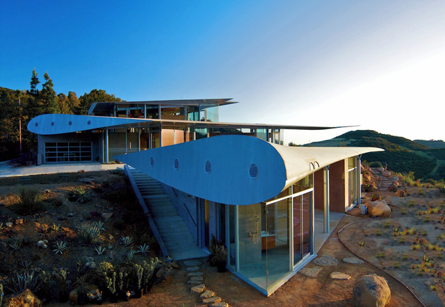 Airplane Hangar Homes | Houzz