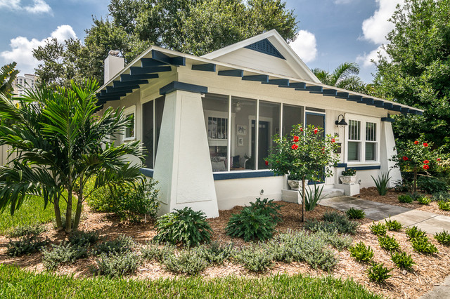 Inspiration for a timeless exterior home remodel in Tampa