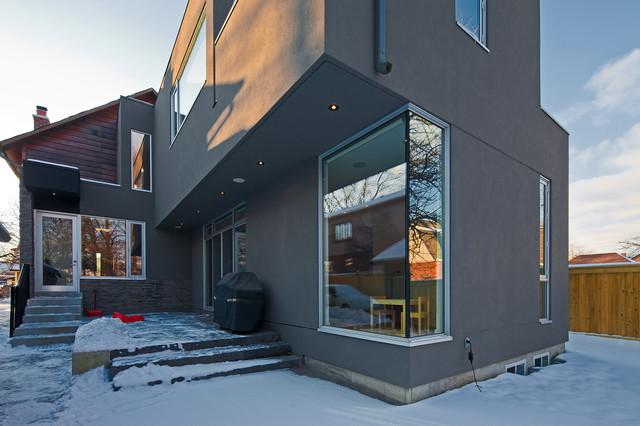 81-27  Etobicoke modern-exterior