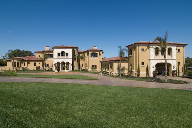 Tuscan exterior home photo in Sacramento