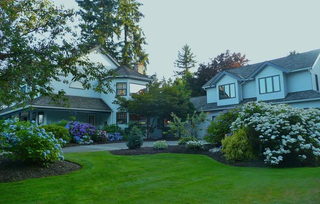 A blue garden traditional-exterior