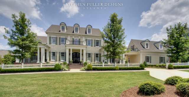 A classic american house in north atlanta traditional for Classic house design exterior