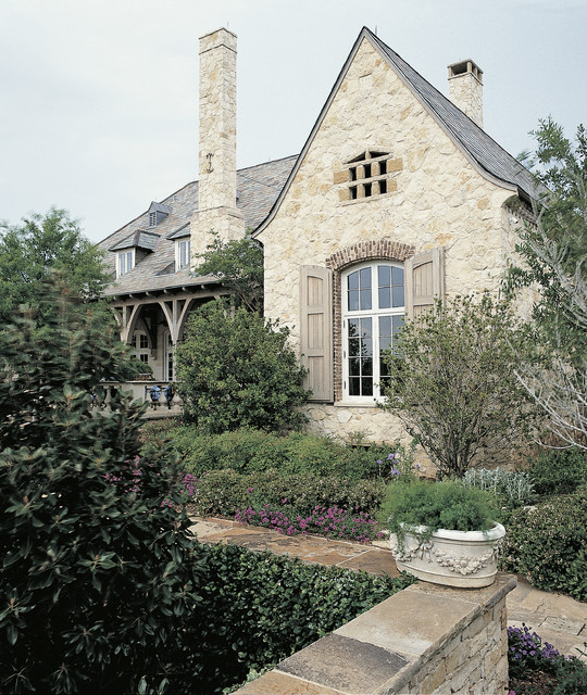 A Classical Journey: The Houses of Ken Tate traditional-exterior