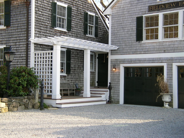 A Dover, MA addition: Garage, master bedroom suite, master deck, entry foyer, po traditional-exterior