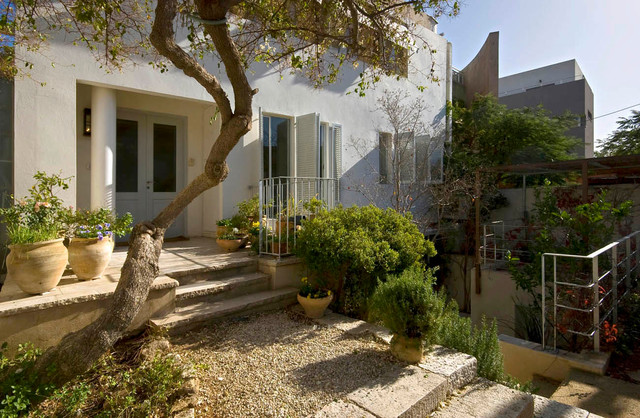 A House At Ramat-Hasharon (Architect:Galya Shternberg) contemporary-exterior