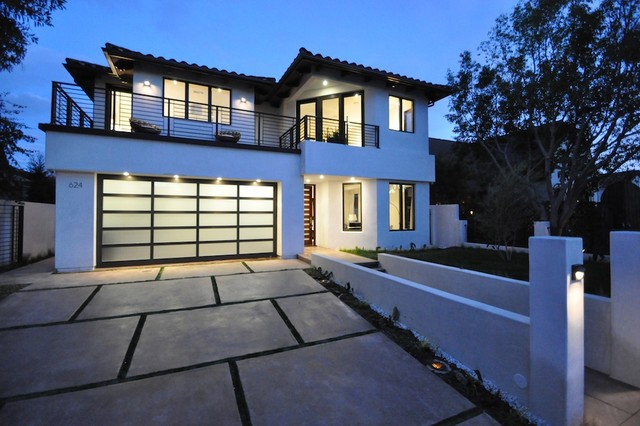A New House in Los Angeles contemporary-exterior
