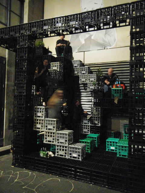 A Playground for Urban Dwellers/ Reuse of  Milk Crates contemporary-exterior