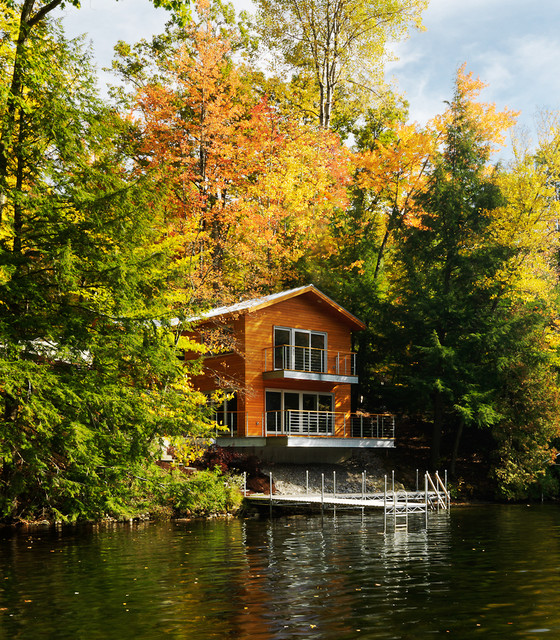 A small lake house contemporary exterior burlington for Building a small lake