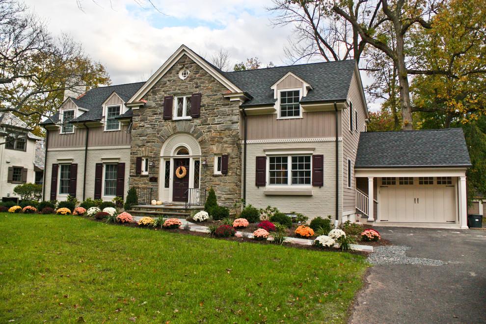 Elegant exterior home photo in Newark