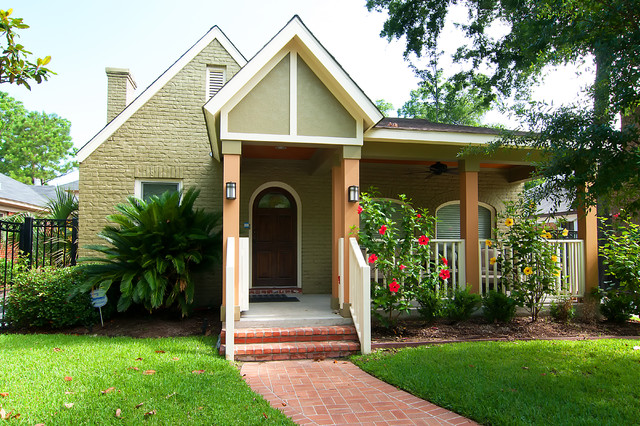 Inspiration for a timeless brick exterior home remodel in Houston