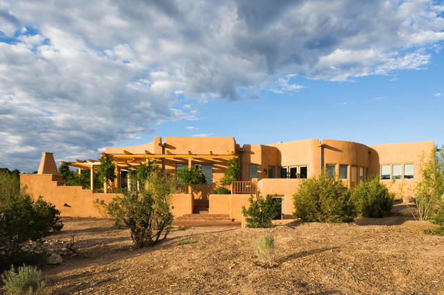 Adobe home in new mexico southwestern exterior for Adobe home construction