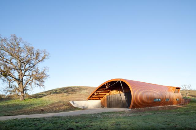 Aerodynamic Barn - Eclectic - Exterior