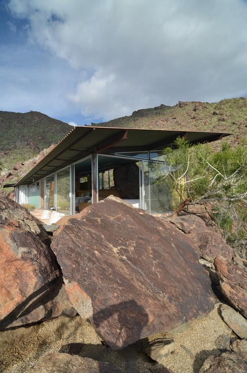 casa entre las rocas en Palm Springs del arquitecto albert frey en diariodesign