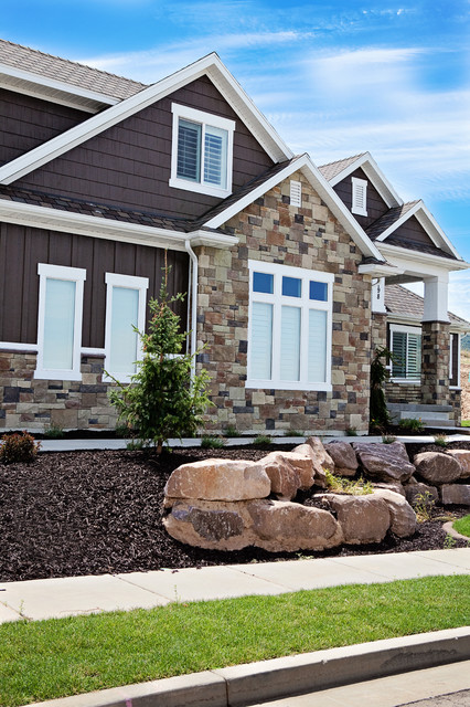 Amazing new custom home featuring wind river ledgestone for Wind river custom homes