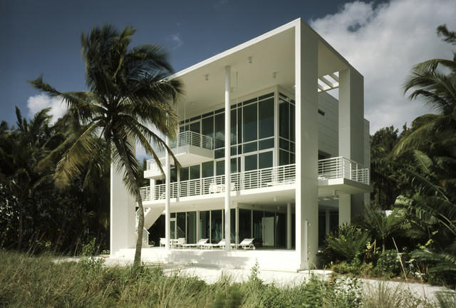 ANACLERIO HOUSE modern-exterior