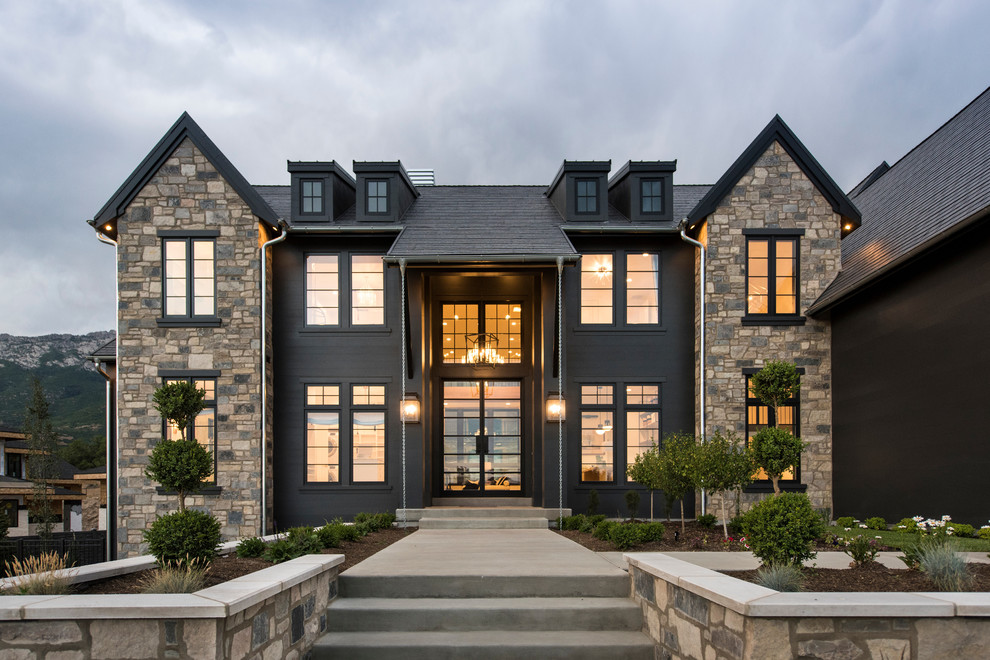4 Signs It's Time to Have Your Home Doors and Windows Replaced