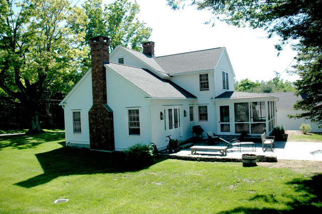 Antique Farmhouse traditional-exterior