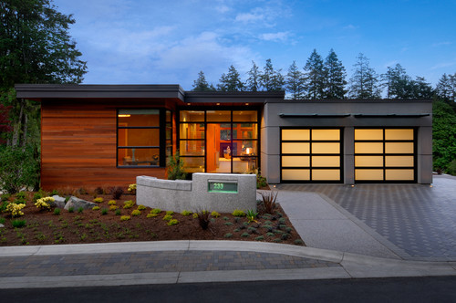 Nice House Is The Fascia Wood Or Aluminum