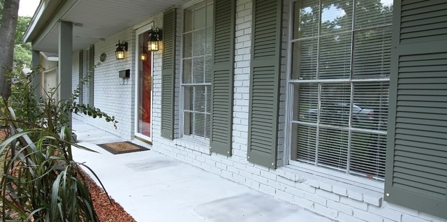 Array Investments & Houston Home Staging... traditional-exterior