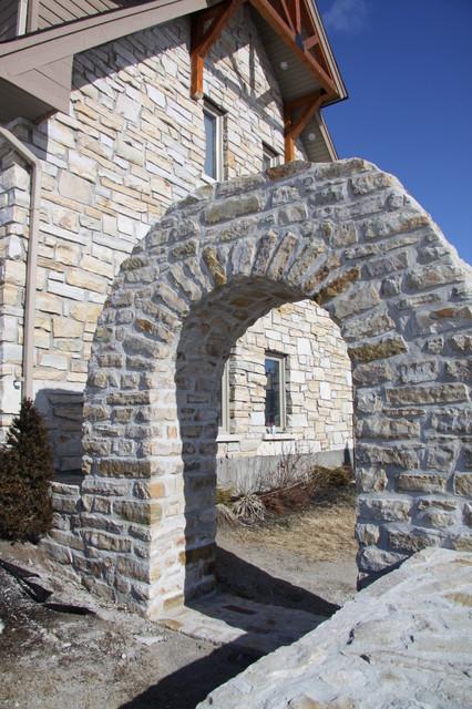 Arrowhead Estates traditional-exterior
