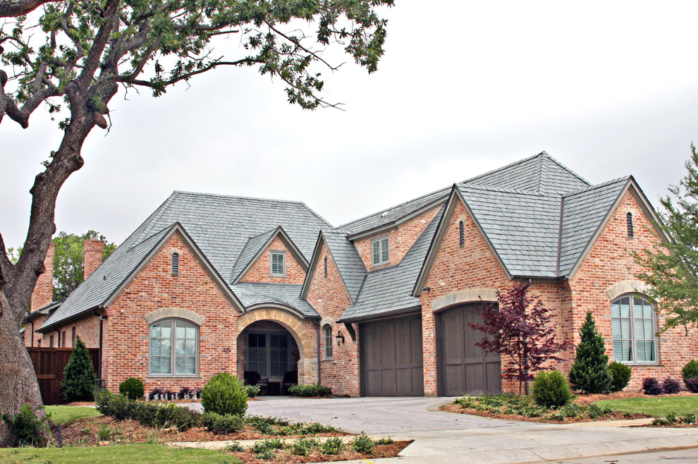 Inspiration for a mid-sized timeless exterior home remodel in Dallas