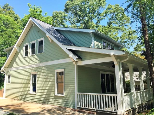 Inspiration for a craftsman exterior home remodel in Atlanta