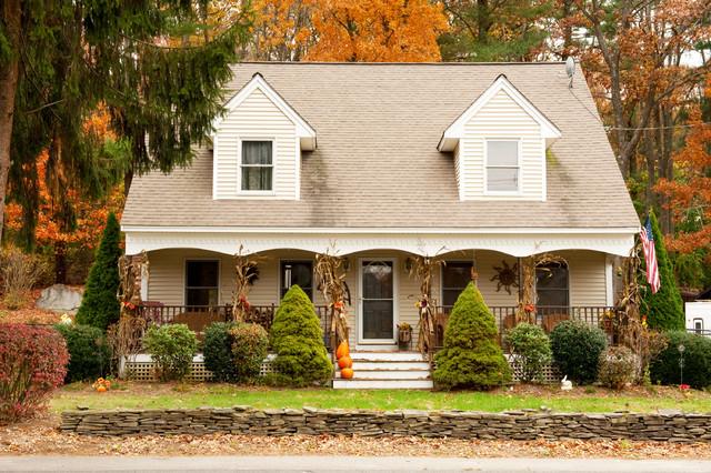 Autumn/Halloween Decor traditional-exterior