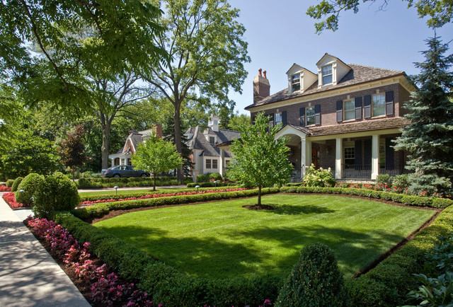 Ayres Ave. Hinsdale, IL traditional-exterior
