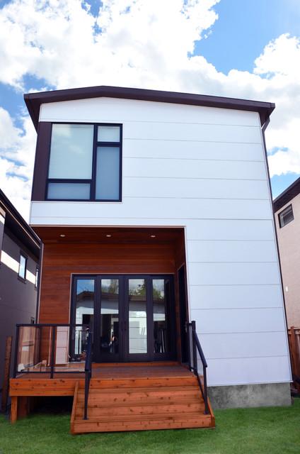 B-Line Medium 010 | rear facade modern-exterior