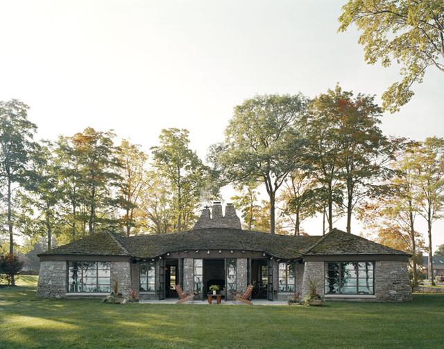 back yard modern-exterior