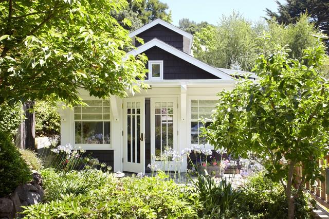 Backyard Cottage Craftsman Exterior Milwaukee By