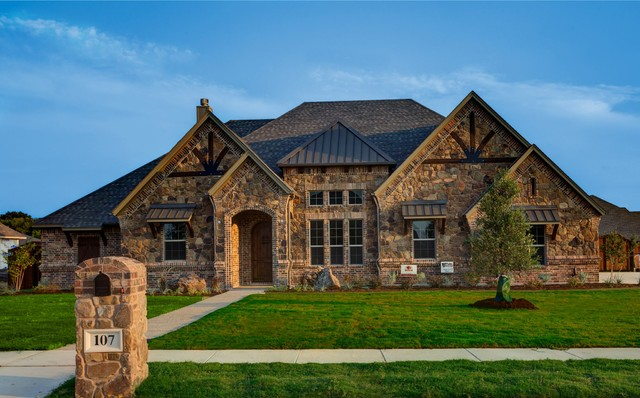 Bailee custom homes rustic exterior dallas by q for Custom built home plans