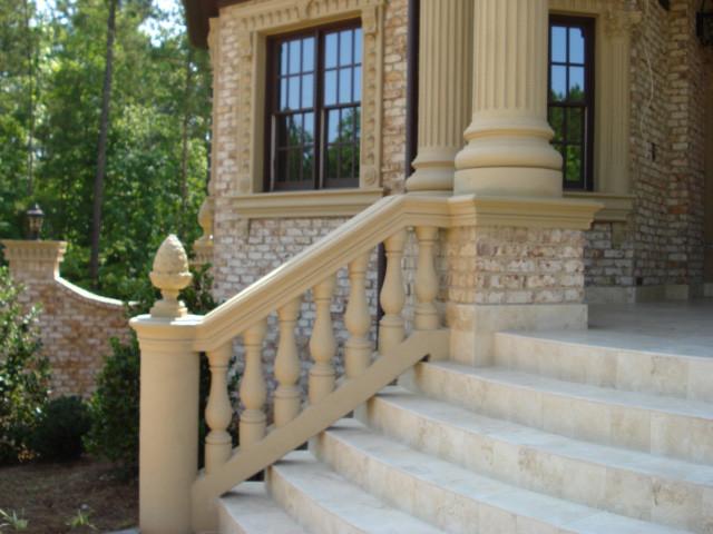 Balusters facciata atlanta di unique stucco for Piani di casa di campagna 1500 sq ft