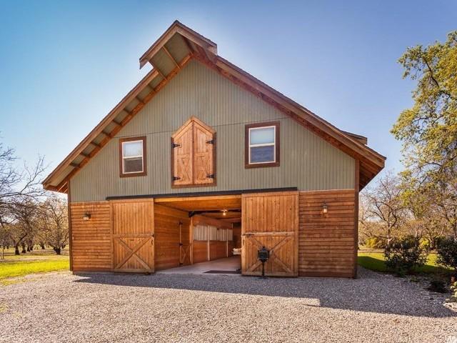 Barn Loft Living in Winters, California - Farmhouse ...