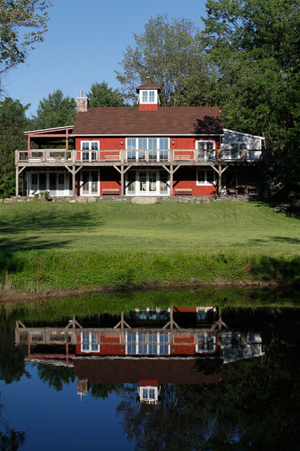 Barn On The Pond Luxury Barn Style Home