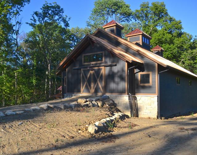 Barn traditional-exterior