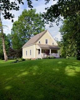 Barn Style Cottage - Farmhouse - Exterior - portland maine - by Houses ...