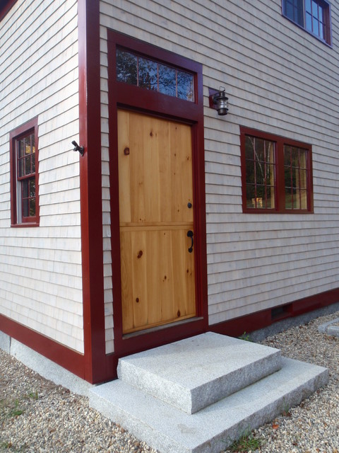 Superbe Example Of A Country Exterior Home Design In Portland Maine
