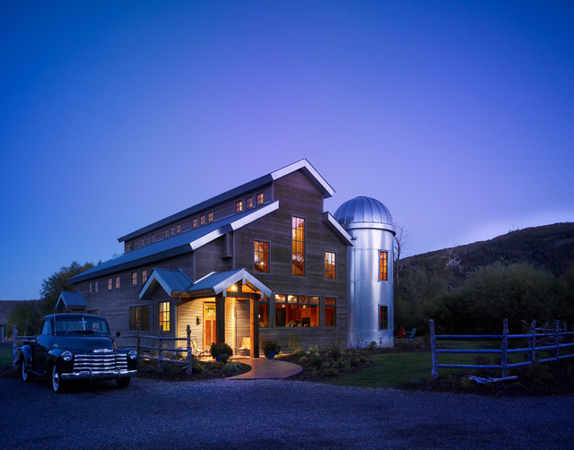 Barndts barn house farmhouse exterior salt lake city Barnhouse builders