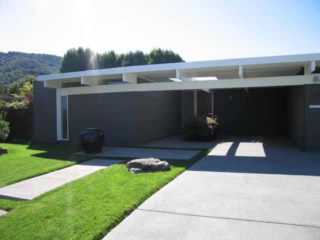 Modern Driveways http://www.houzz.com/ideabooks/412778/list/Modern-Driveways