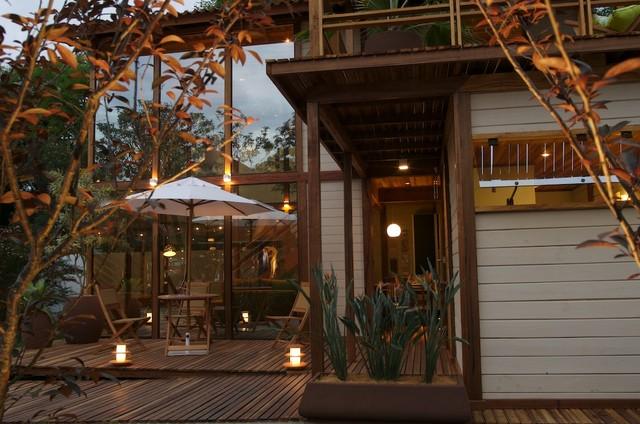 Beach Cottage tropical-exterior