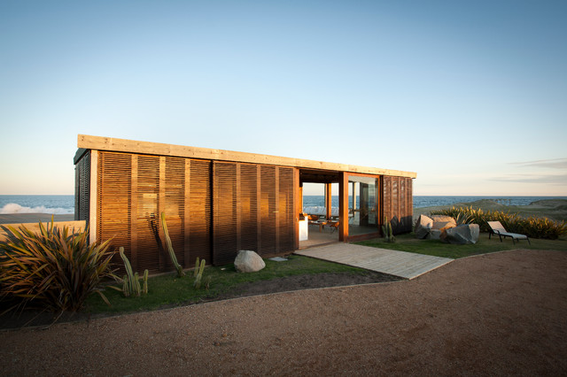 Beach House DOTTO modern-exterior