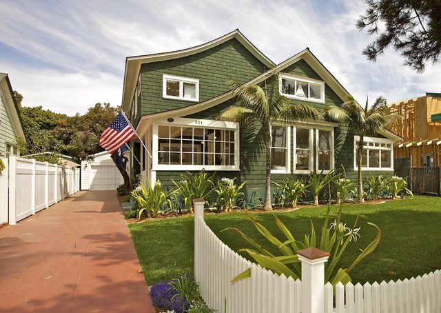 Beach house exterior for Coastal craftsman style homes