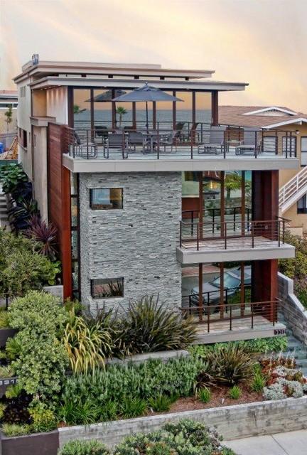 Beach Walkstreet Home beach-style-exterior