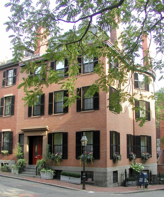 Beacon hill townhouse traditional exterior boston for Townhouse exterior