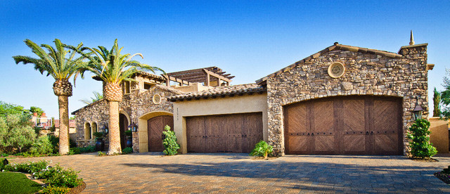 Beautiful Beach House Stone Veneer Combo Coronado Stone