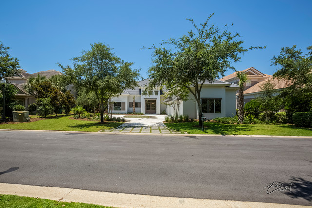 Beautiful golf courselakefront home in regatta bay golf and yacht