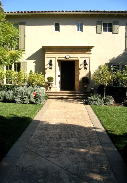 Beverly Hills Entry traditional-exterior