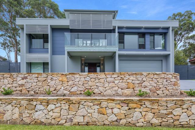 blaxland contemporain fa ade sydney par blue eco homes. Black Bedroom Furniture Sets. Home Design Ideas