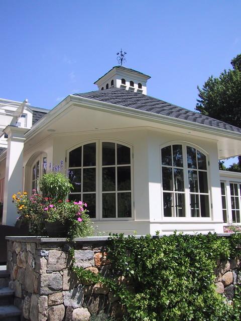 Breakfast Room exterior traditional-exterior